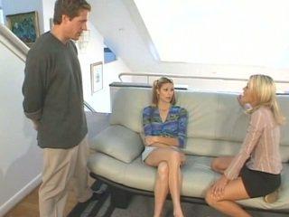 मोम helping उसकी step-daughter साथ taking कॉक में the आस
