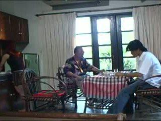 Старий тайська ебать.