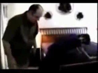 Kapali kadin arkadasinin kocasiyla sikisiyor 724adult com