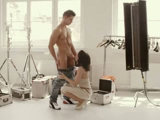 Titty seni seks dalam yang pentas belakang