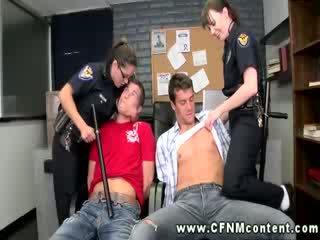 उनहोने चाहते को लगना the डीपथ्रोट की the कानून पर उनके shafts