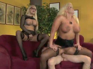 Alura jenson dan jacky joy two besar titted blondes having shaged