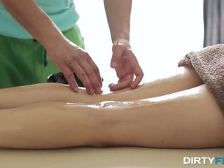 Loud orgasm on massage table - Porn Video 301