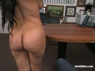 Kont ada sucks lul van haar boyfriend in hun huis