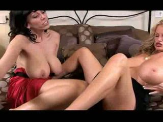 tits, bigtits, সমকামী স্ত্রীলোক