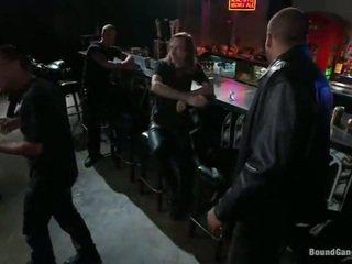 Melody jordan has gangbanged en la motera bar