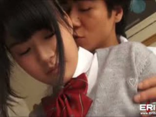 Supercute japonesa escolar itsuka follada y creampied