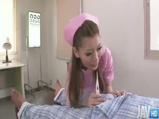 Ładniutka pielęgniarka ayumi kobayashi marki a housecall z an