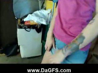 רגישה sicily מזוין ב the garage