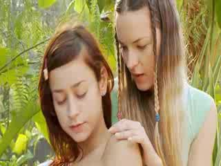 Mutual ekstrēms penetration ar lesbos