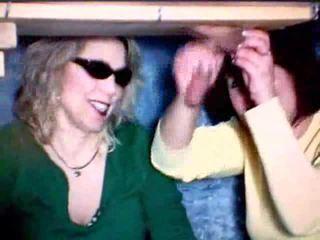 Anne ve kız oynama ile bir deli video