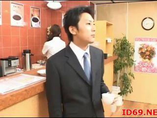 Japońskie av modelka ładniutka biuro dziewczyna