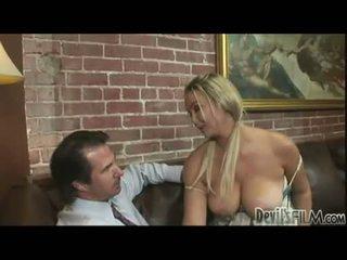 अच्छा मुखमैथुन, मुख्यालय गोरे लोग आप, बड़े स्तन