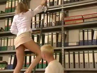 Anja juliette laval - blondine kantoor dame gets geneukt