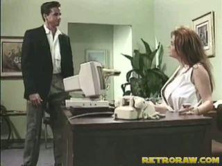 Medmāsa banged onto viņai galds