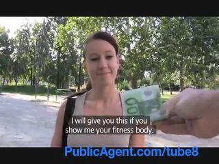 Publicagent جنسي لياقة بدنية instructor سخيف إلى نقود