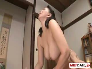japonec, velká prsa, hardcore