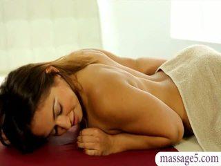 Schön masseuse sara luvv gets gefickt und jizzed auf arsch
