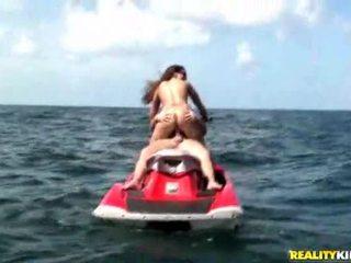 realitas, perahu, seks