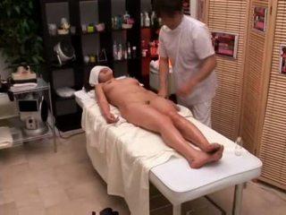 Koledžas mergaitė seduced iki masseur