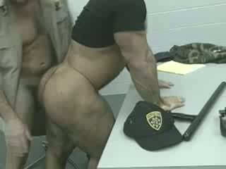 Officers επί ο loose