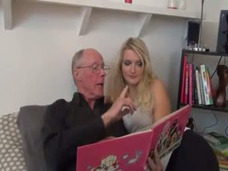 Gyzykly blondinka fucked by old man