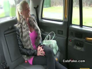 Vollbusig finnisch blond bangs im taxi anal wirklichkeit