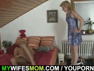 他 gets pleased 由 mother-in-law