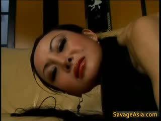 I madh titty aziatike foshnjë gets puss licked