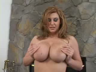 Sex with big natural tits babe