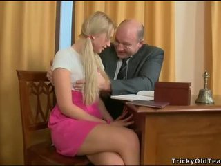 Delighting two nadržané teachers