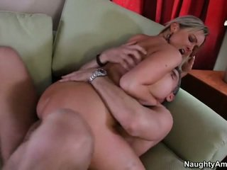 Bigtitted sused, abbey brooks