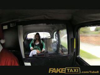 Faketaxi slecht santa unloads zijn sack