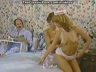 Karen nyár, nina hartley -ban porn klasszikus csipesz -val egy kívánós takarítónő