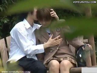 Aziatisch koppel openlucht seks captured door spion camera