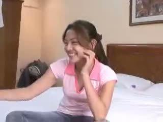 Filipina virgin gets deflowered på camera av pervertert