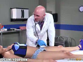 Brazzers - Veronica Rodriguez fucks her doctor
