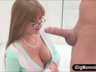 Gjoksmadhe njerka darla crane anale fucked me adoleshent çift