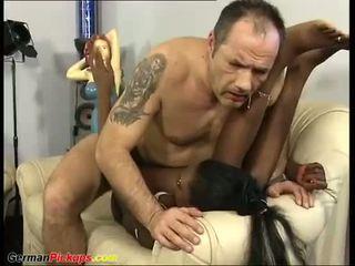 Chocolade babe picked omhoog voor seks
