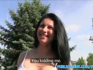Publicagent сексуальна румунська в туга шорти трахкав в a машина