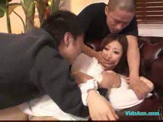 Azjatyckie dziewczyna w białe sukienka getting jej cycki rubbed cipka lizanie