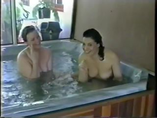 Bubbelbad plezier: gratis milf hd porno video- ff