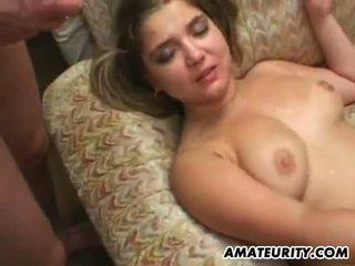 Rondborstig amateur vriendin orgie met bukkake