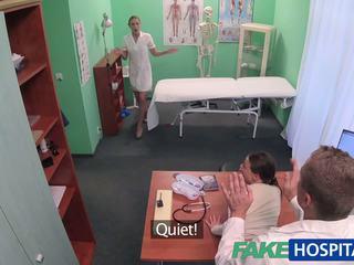 Fakehospital רופא gets סקסי patients כוס רטוב: פורנו 49