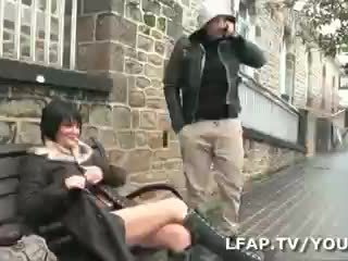Amatrice francaise sodomisee par deux ...