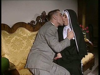 Ujo nunna gets hänen perse perseestä ja kasvot spermed