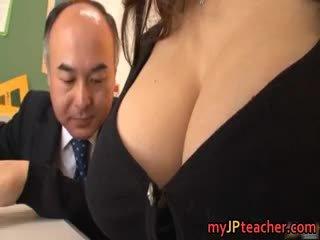 Barmfager lærer ruri saijo bounces