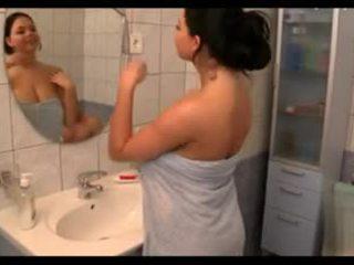 tits, bộ ngực to, tắm