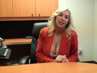 Chaud nana baisée à emploi entretien vidéo