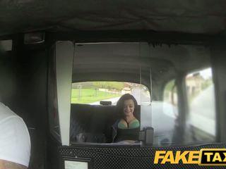 Fake taxi prague beauty squirting 上の カム